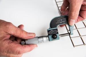 micrometer measuring stainless steel wire diameter